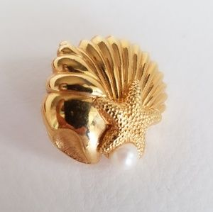 80's Vintage Avon Sea Shell Starfish Earrings